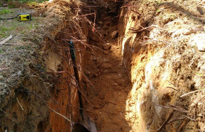 150mm 300mm 450mm 600mm trench digging hire gold coast Brisbane