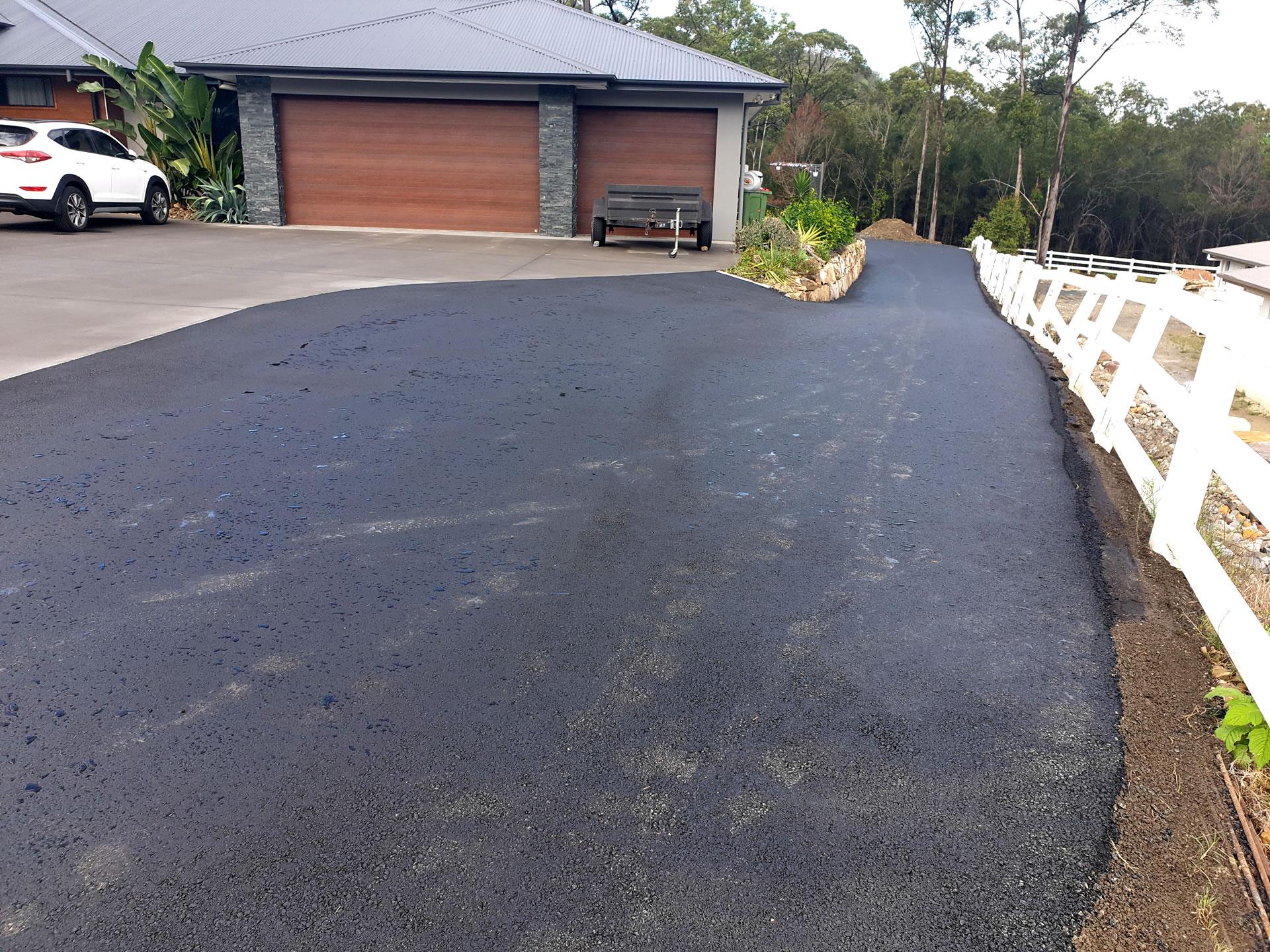Acreage Asphalt driveway cut sealed Gold Coast Brisbane