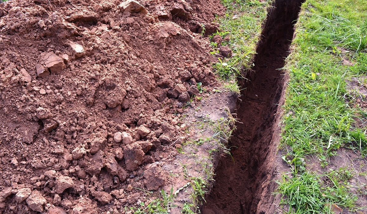 contractor plumber electrician trench digging gold coast