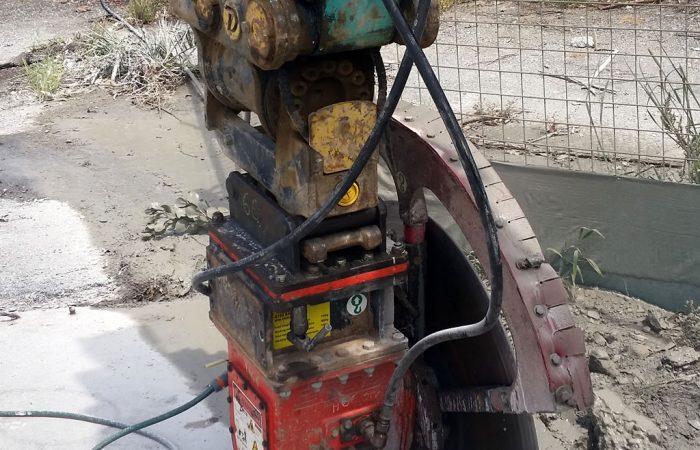 rock saw excavator attachment concrete cutting hire gold coast brisbane