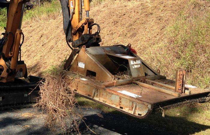sloped embankment slashing grass cutting gold coast
